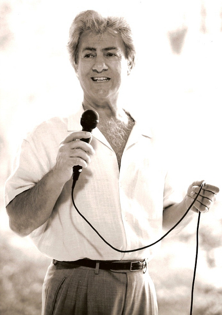 Al with Mic - 2004